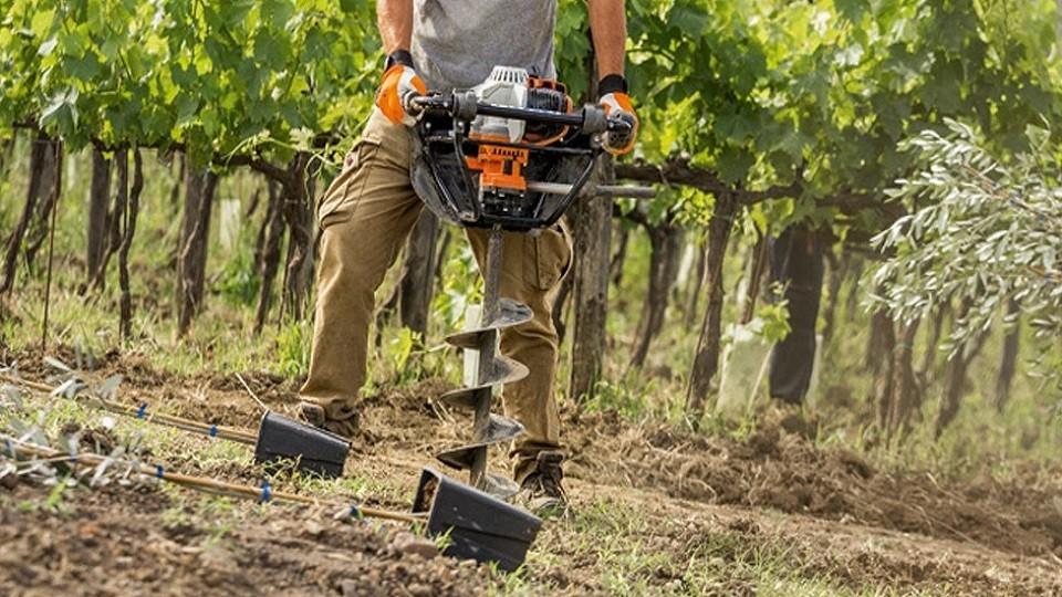 Outillage travail du sol